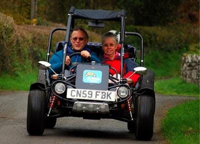 Багги- идеальный вид транспорта для британской погоды