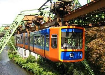 Вупперталь - старейшая надземная железная дорога