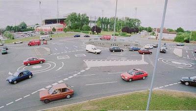 Magic Roundabout, Суиндом, Англия,необычные улицы
