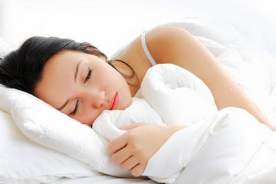 девушка спит, спящая девушка