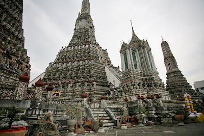 1. Буддийский Монастырь Ват Арун (WAT ARUN)