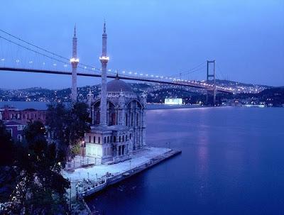 Стамбул находится у моря
