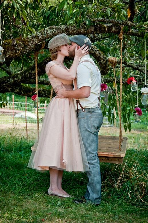 Костюм, платье в деревенском кантри стиле на свадбу