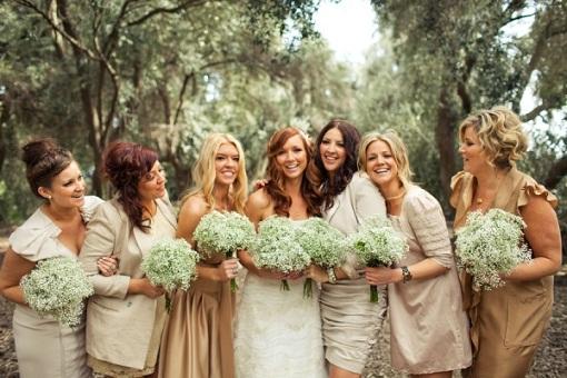 Подружки невесты тоже должны соответствовать деревенскому кантри стилю для свадьбы