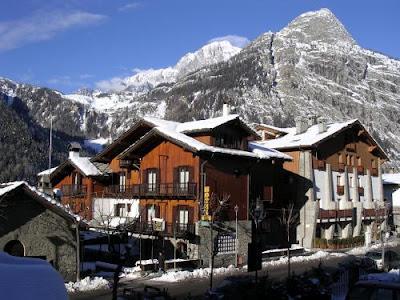 Лучший горнолыжный курорт для любителей покушать - Курмайор, Италия (COURMAYEUR, ITALY)