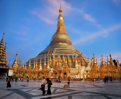 7. Буддийский Пагода Шведагон (SHWEDAGON PAGODA)