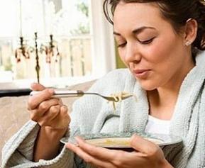 Почему от простуды помогает куриный суп?