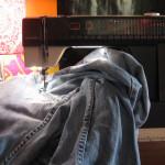 Зашить джинсы фото