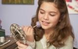 Декоративная косметика - плохой выбор для молодых девушек