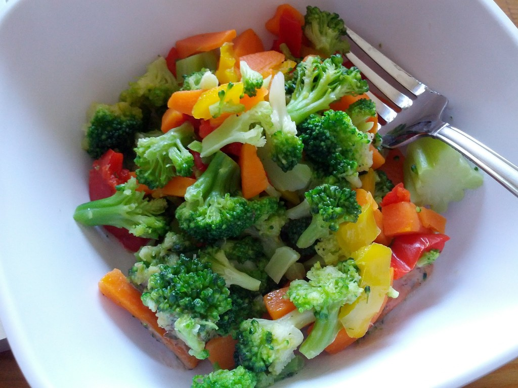 Брокколи с салат