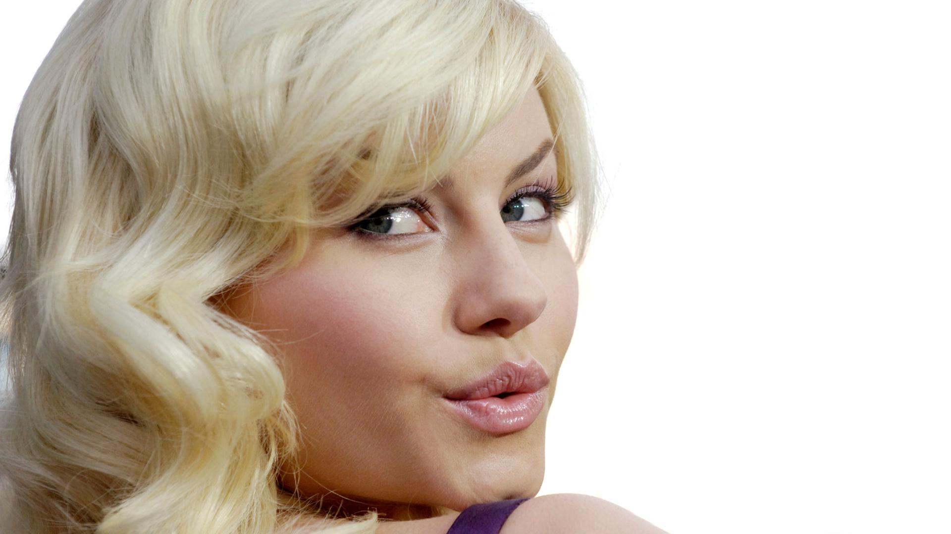Фото с пухленькими губками, Девушки с отвисшими половыми губами - (65 фото) 10 фотография