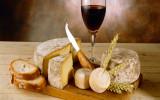 Дорогое вино и сыр с плесенью фото картинка фотография