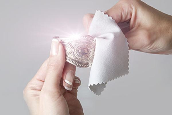 Чем почистить серебро в домашних условиях перекисью