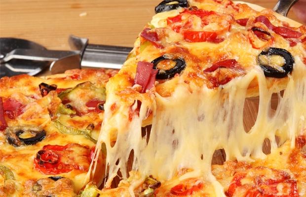 Вкусная пицца фото