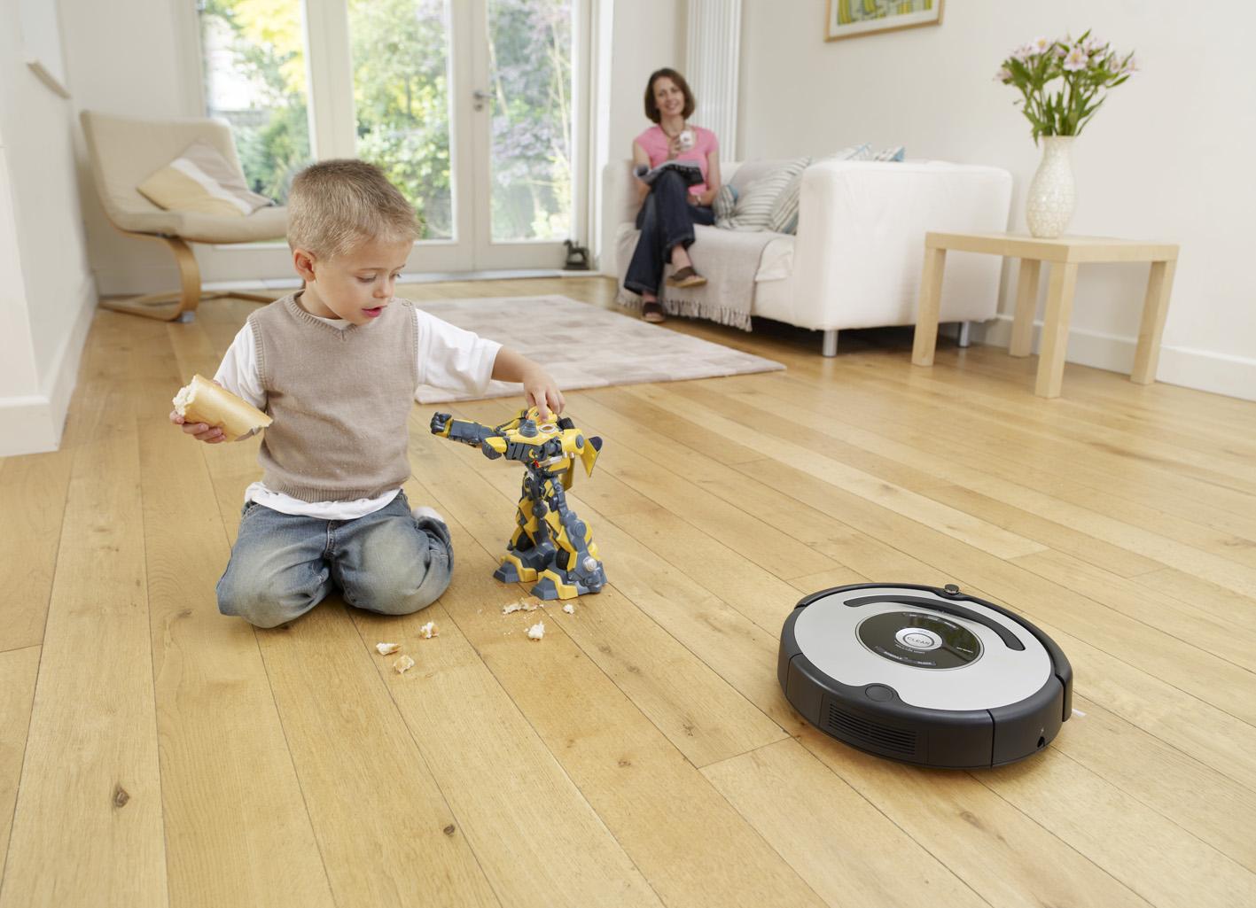 Робот-пылесос для дома фото