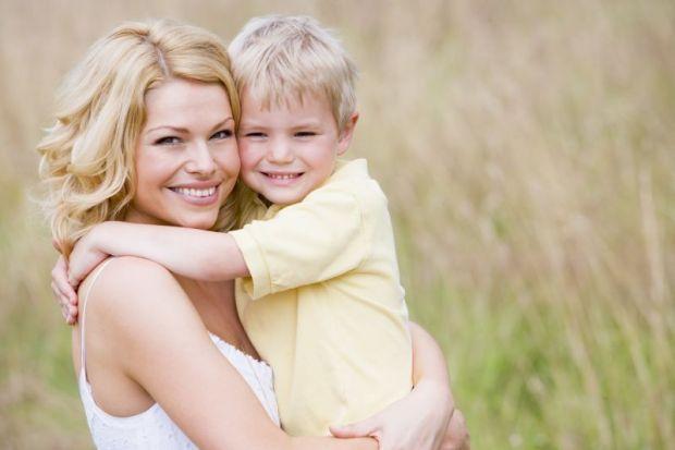 Мать и сын фотками