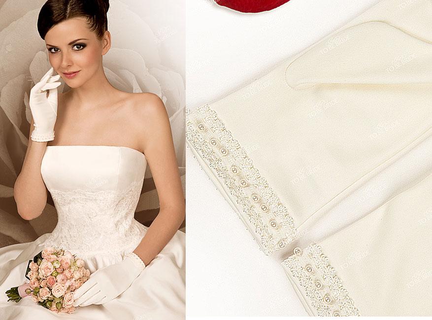 Перчатки свадебные с коротким платьем
