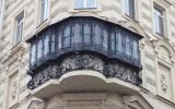 Красивый застекленный балкон фото