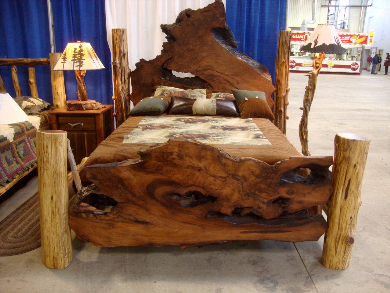 Кровать своими руками декор