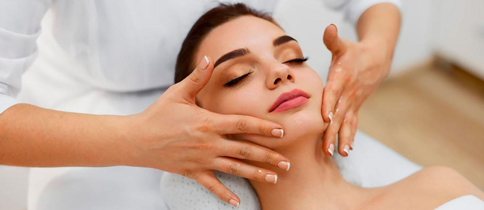 Плюсы профессионального массажа для лица